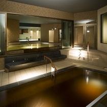 展望露天風呂のほか、内風呂、ジャグジー、サウナをご用意いたしております。