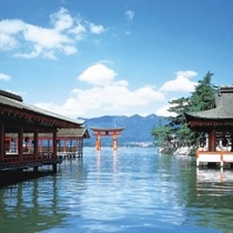 世界遺産 宮島の鳥居(厳島神社から)