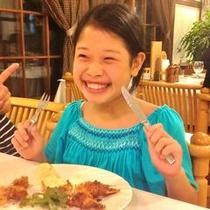 女の子食事
