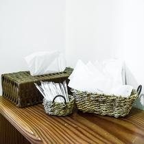 お風呂には、綿棒とカミソリをご用意しております。