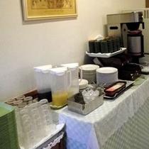 *朝食ビュッフェバイキング (ドリンクコーナー)