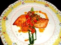 ある日のお魚料理は自物野菜を使ってハワイテイストもたっぷり