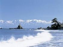 氷見海岸より立山を望む【氷見市】