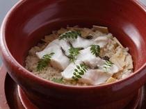鯛と季節の野菜釜焚き御飯