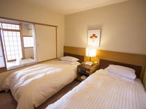 【エコノミー:和洋室】やすらぎのベッドルームでごゆっくりとお休みください