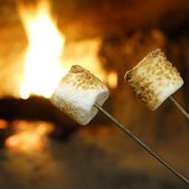 *夕食後は暖炉でマシュマロサービス(無料!)