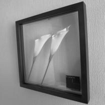 お部屋によって異なったデザインの絵(モノクロ)
