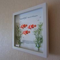 お部屋によって異なったデザインの絵(熱帯魚)