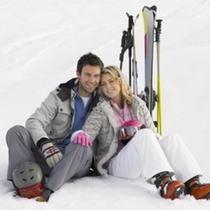 カップルでスキー