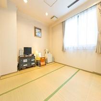 【和室】手足を伸ばしてのんびりと休める和室客室です。