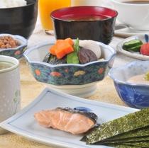【選べる4種の朝食】《和定食》\ご飯おかわり無料!/★ドリンクバー付き★