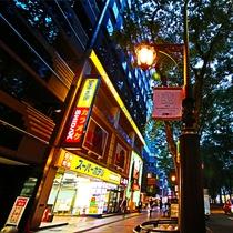 ホテル外観夜 夕暮れの定禅寺通りも綺麗ですね♪