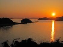 牛窓の海に沈む夕日です。