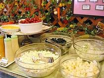 ■朝食:フレッシュ新鮮サラダも豊富!