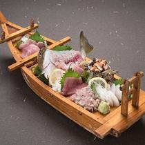 【手配】オーナー御用達の魚屋さんから新鮮な「船盛り」をデリバリー可能です!