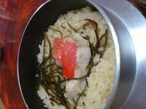 キンメ鯛の釜飯 名水七滝と呼ばれる、滝の湧水を使って炊き上げます!