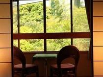 お部屋では天城の緑や、河津ループ橋を眺めて寛げる