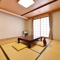 *和室11.5畳(客室一例)/畳の香りがほのかに薫るお部屋で団欒のひと時をお過ごし下さい。