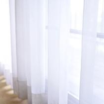 *朝はお部屋にそよぐ優しい風とさわやかな自然光でお目覚めください。