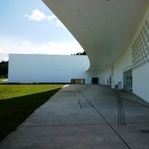 青森県立美術館(青森市)