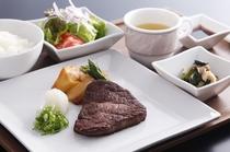 牛フィレ肉のステーキセット