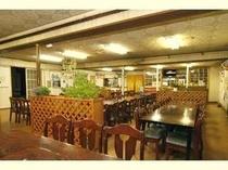 多目的に利用できる広いホール お食事、ダンス、音楽etc