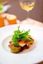 ある日の魚料理 白ワインが合います。