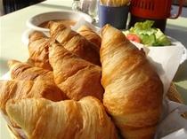 ある朝のお食事