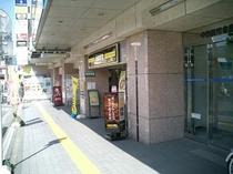 ホテル入口①