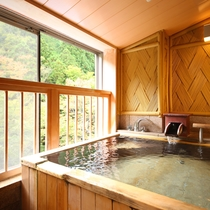 貸切風呂 木造風呂 文殊