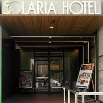 ホテル正面入口(エントランス)