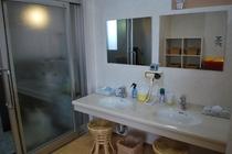 男性用大浴場 洗面所