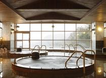 温泉 石の大浴場