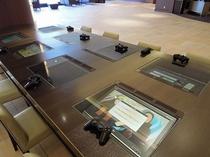 ホテルフロント・ロビー周り 無料テレビゲームテーブル風景(イメージ)
