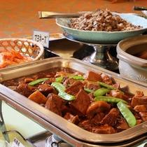 【朝食ブュッフェ】調理長厳選の54種類の朝食ブュッフェ。和洋折衷でお楽しみください。