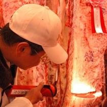 【一頭買い】古窯総料理長が自ら選ぶ米沢牛・山形牛は全国レベルの最高ランク県産牛。