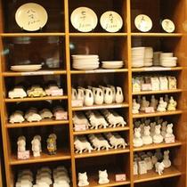 【楽焼】絵皿は4寸〜8寸。ご人数に合わせてお選び下さい。※お皿以外にも絵付けが可能です。