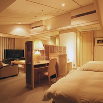 【貴賓室ツイン】全てが最上級。最上階ならではの蔵王連峰の絶景を贅沢に堪能できるお部屋。