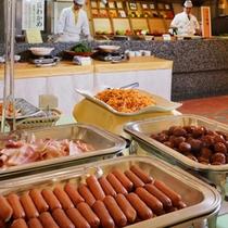 【朝食ブュッフェ】和・洋・中それぞれお好きな料理をお好きな分だけお楽しみいただけます。