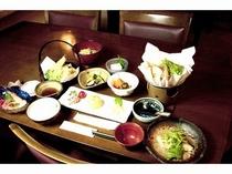 自家栽培の食材をたっぷり使用した和食です。お米も、もちろん自家栽培の天日干しです。