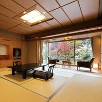 【本間10帖+次の間6帖】部屋から日本庭園が一望できる広いお部屋