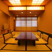 【お部屋:Eタイプ】 *12帖一間の純和風の造りの和室。山の眺望のない一間のタイプの客室となります