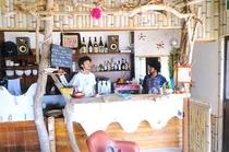 アジアンエスニックなカフェ。マーティから徒歩約5分。