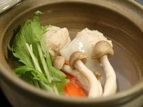 冬の夕食2014年。煮物 ほろほろ鳥のあんかけ鍋 アツアツのあんかけと栄養満点のほろほろ鳥のつみれ鍋