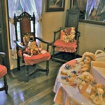 *【〜Poupee〜お人形】各地からコレクトしたフランスのお人形。その美しさに魅了されて・・・。