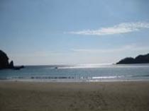 弓ヶ浜海水浴場 徒歩8分 遠浅で波穏やかな砂浜です。