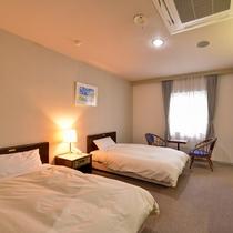 *【部屋一例/ツイン】スタンダードなタイプのツインルームです。禁煙、喫煙が選べます。