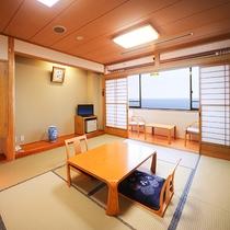 *【海側】和室10畳一例/高台から見下ろす太平洋の絶景!のんびり眺めてくつろぎのひとときを。