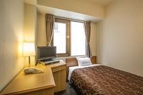 シングルルーム(一例) 部屋の広さ:約10平方メートル 出張や一人旅に最適なシングルルーム
