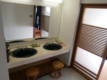 男性用風呂洗面所